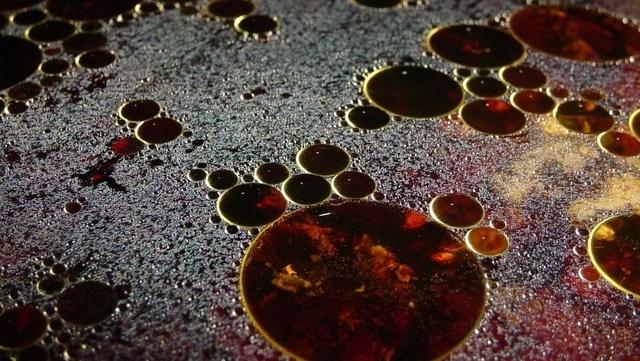 oil-water-1254583-640x480-162137-edited.jpg