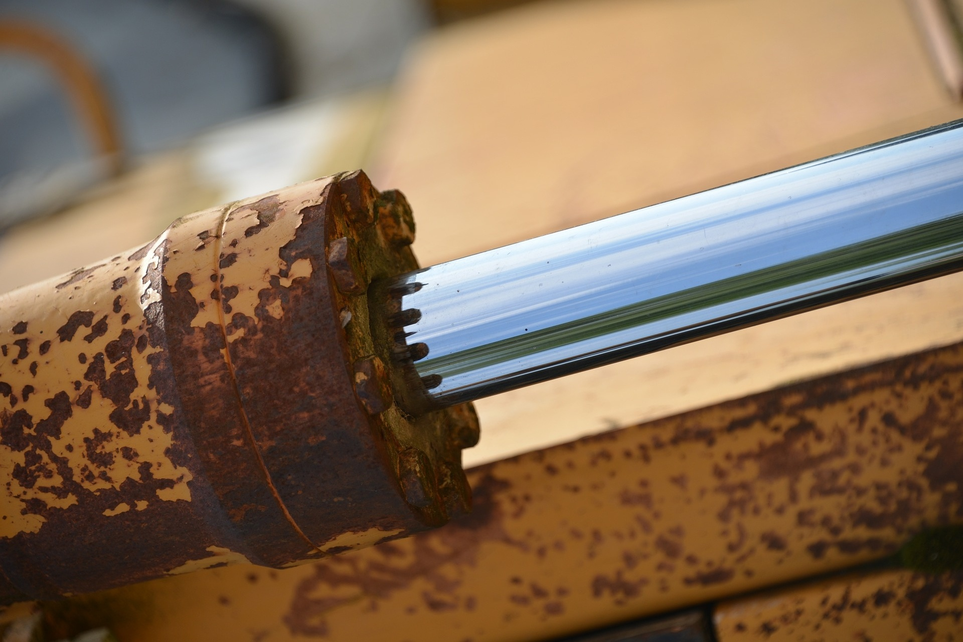 Why good quality hydraulic oil images - Castrol Hyspin AWS