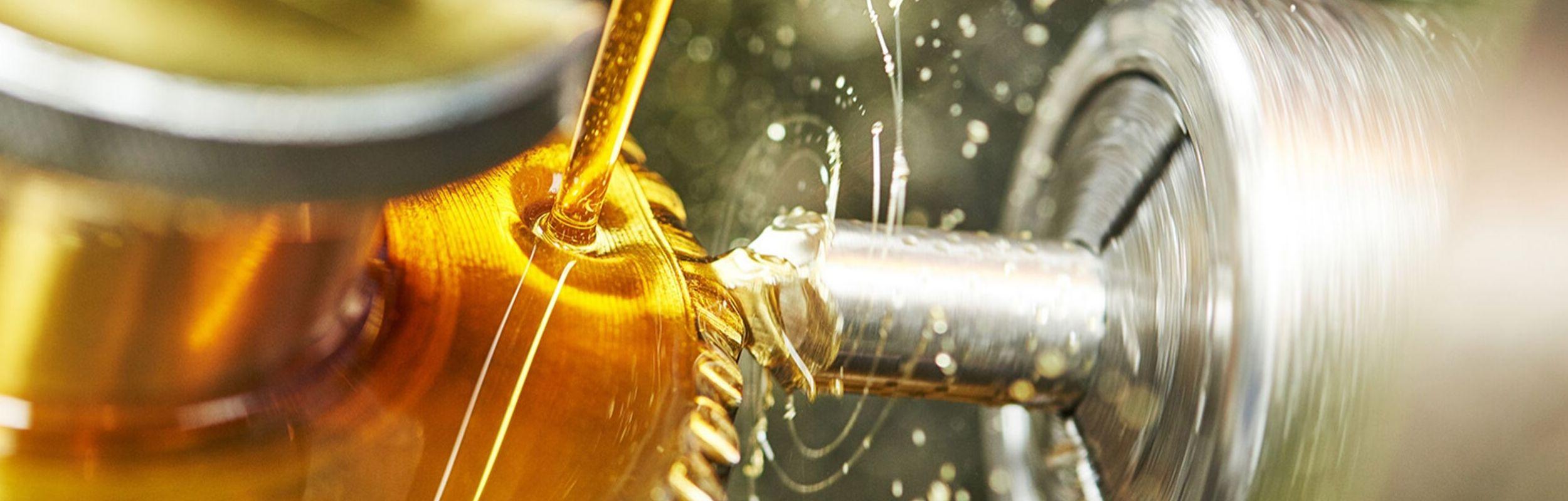 Choosing The Right Industrial Gear Oil
